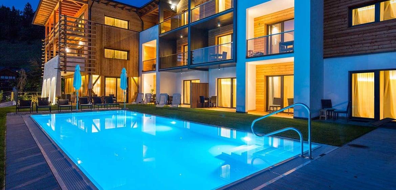 fertigpools aus frankreich schwimmbad und saunen. Black Bedroom Furniture Sets. Home Design Ideas