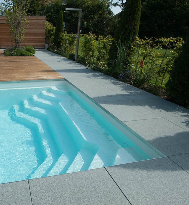 Monoblock pools polyfaser swimming pools for Swimming pool stahlwand rechteckig