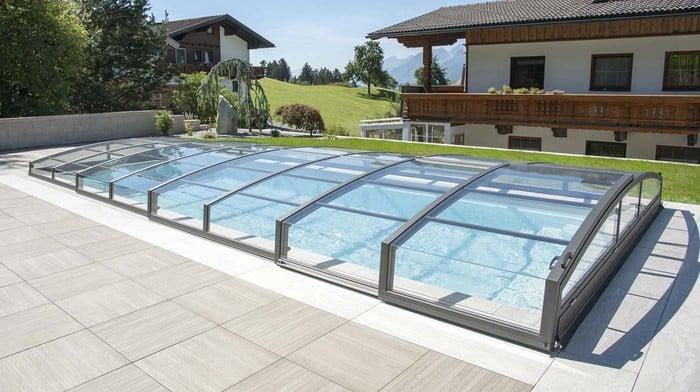 pooldach smaragd schwimmbad berdachungen von polyfaser. Black Bedroom Furniture Sets. Home Design Ideas