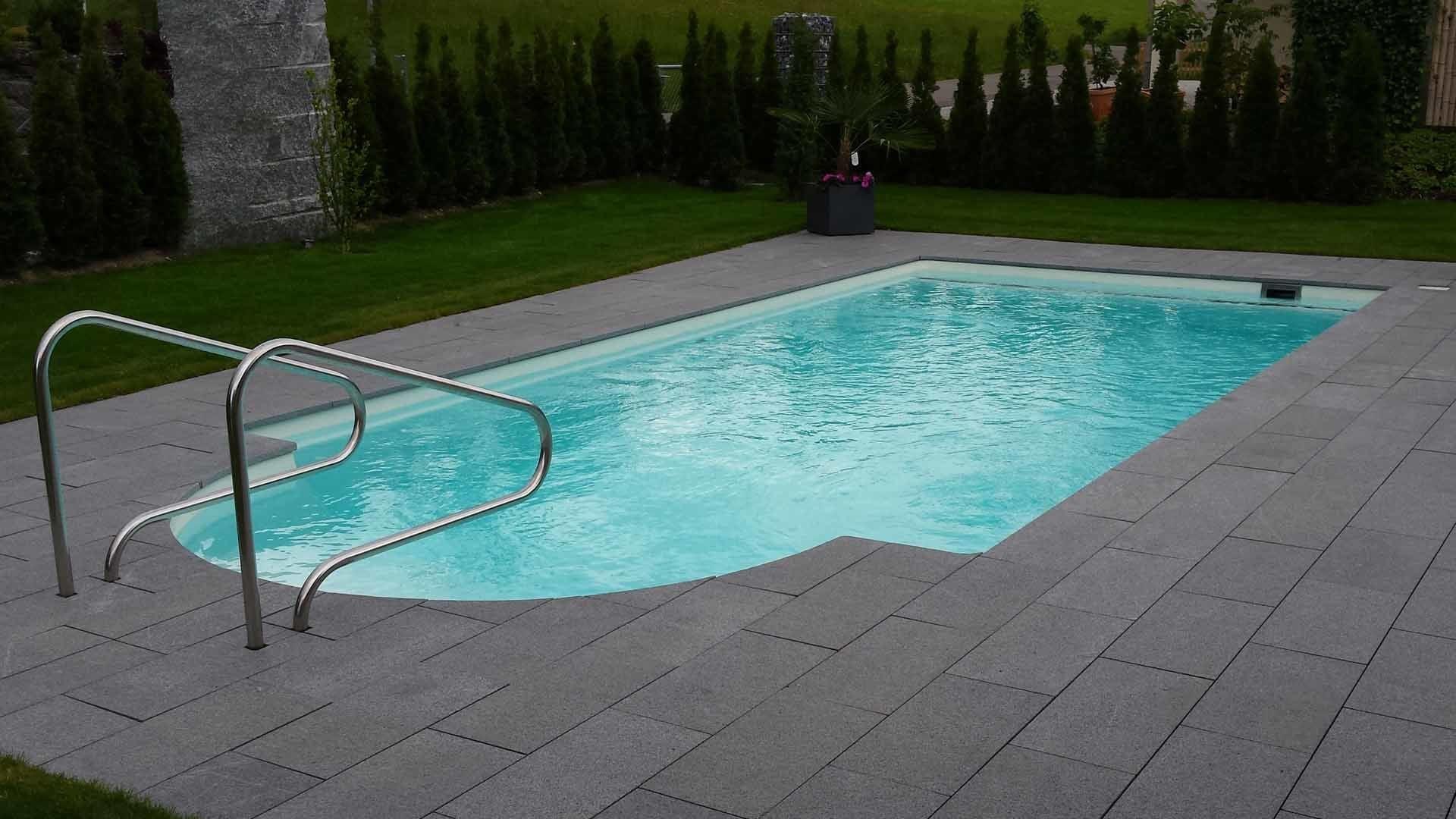 con scale romane piscine prefabbricate monoblocco. Black Bedroom Furniture Sets. Home Design Ideas