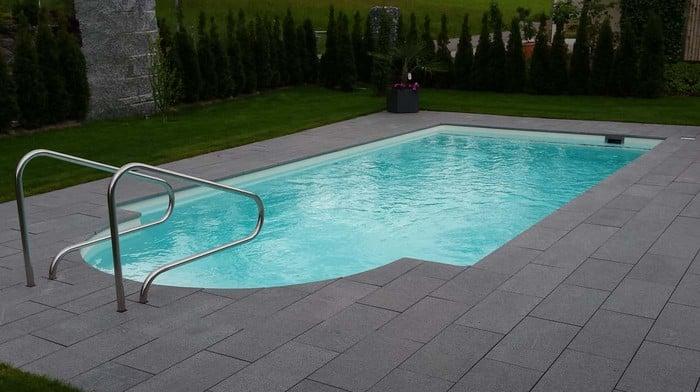 Einst ckbecken mit r mertreppe modello elba 62 piscine for Piscine 62