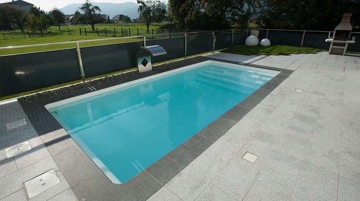 modell granada schwimmbecken von polyfaser pools pooldach. Black Bedroom Furniture Sets. Home Design Ideas