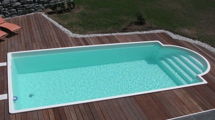 Einst ckbecken mit r mertreppe modell korsika for Swimming pool stahlwand rechteckig