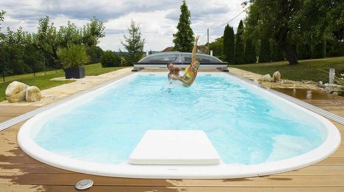 Modello adria 85 piscine prefabbricate monoblocco for Piscine 85